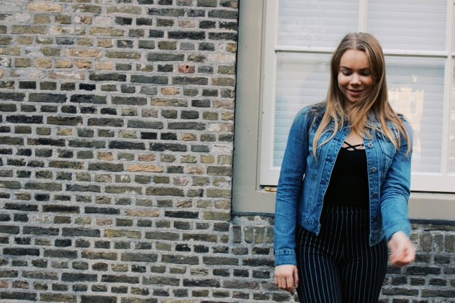 outfit denim and stripes III