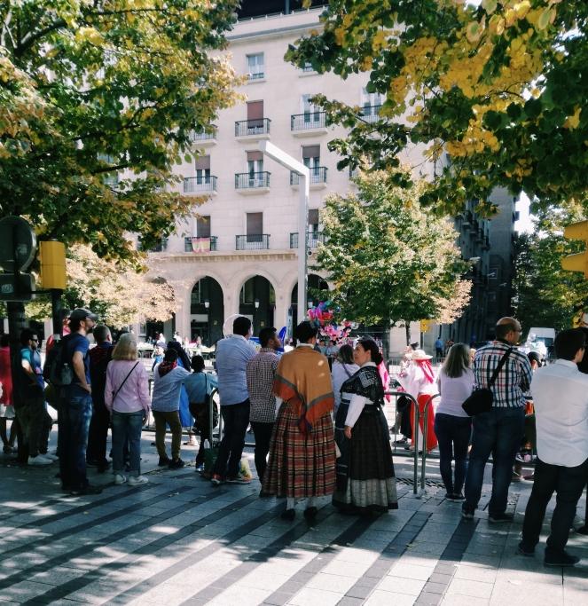 Fiestas del Pilar Zaragoza kledij